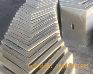矿用井筒梯子间
